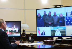 RIGOROZNE MJERE KAO CIJENA ZDRAVLJA Putin od početka pandemije živi i radi u POSEBNIM USLOVIMA