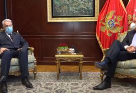 ĐUKANOVIĆ PREDLAŽE KRIVOKAPIĆA ZA MANDATARA Odao priznanje predstavnicima tri koalicije (VIDEO)