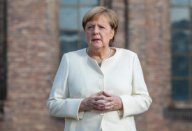 Ovakvu MASKU je danas nosila njemačka kancelarka, a ovo o njoj kažu STRUČNJACI (FOTO)