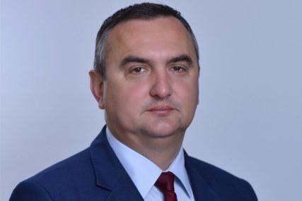 Kažnjeno skandalozno ponašanje gradonačelnika Prijedora: Šta je napisao Pavlović u OBRAZLOŽENJU OSTAVKE