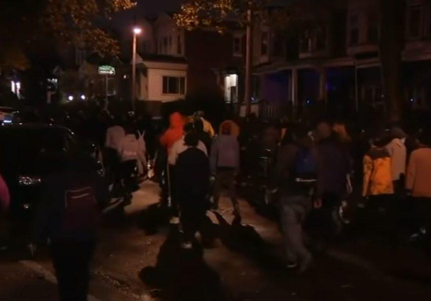 NEREDI NAKON UBISTVA AFROAMERIKANCA Policija ustrijelila Valtera, ljudi na ulicama DANIMA PRAVE HAOS