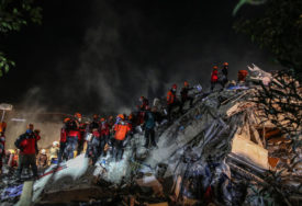 BROJ ŽRTAVA ZEMLJOTRESA PORASTAO NA 100 U bolnici još 147 povrijeđenih, potraga za nestalima još traje