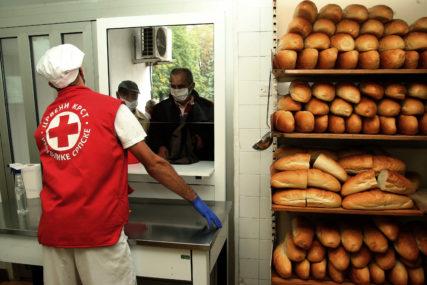 Mnogi Banjalučani kucaju na vrata Crvenog krsta: Potreba za hranom sve veća, a SKLADIŠTA PRAZNA