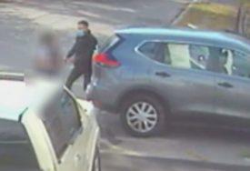 ŠOKANTAN SNIMAK Kamere snimile kidnapovanje devetogodišnje djevojčice (VIDEO)