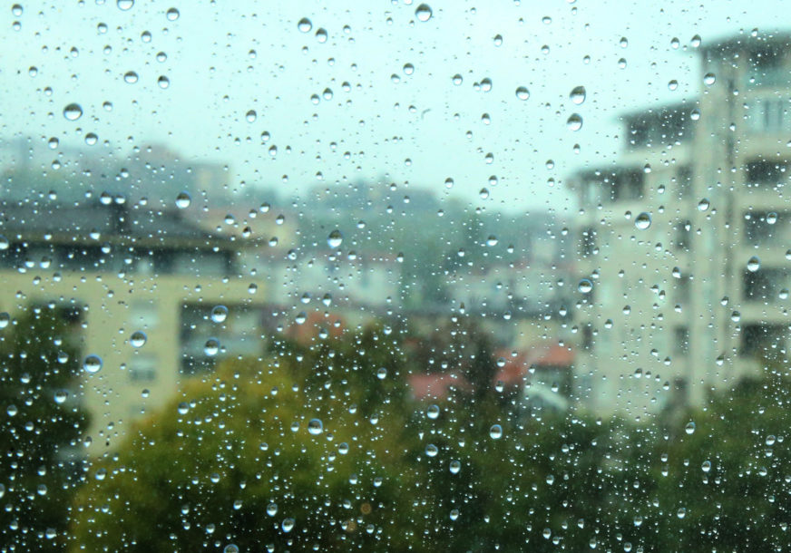DANAS NESTABILNO VRIJEME Očekuje nas kiša i pljuskovi sa grmljavinom