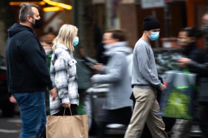 UVEDENA  JEDNOMJESEČNA BLOKADA Građani na ulicama, protestuju zbog epidemioloških mjera