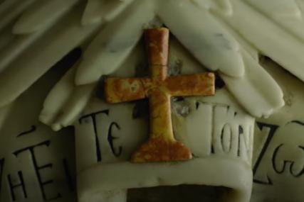 """PRVI PUT NAKON DVA VIJEKA Otvoren Isusov grob, arheolog poručio da mu """"KLECAJU KOLJENA"""" (VIDEO)"""