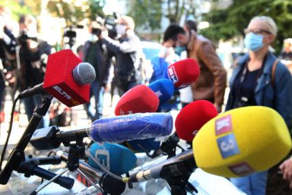 """""""PRESUDNA ULOGA U OČUVANJU DEMOKRATSKOG DRUŠTVA"""" Ambasadori u BiH osudili napade na novinare i pritiske na medije"""