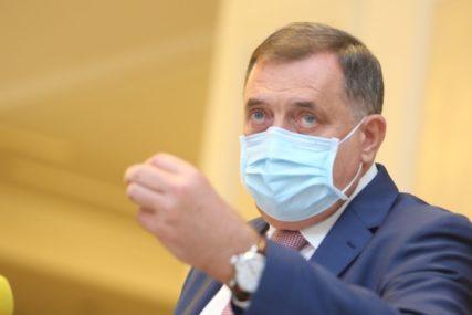 """""""Izloženi riziku zaraze, DANIMA BEZ ODMORA"""" Dodik poručio da je u planu nova jednokratna pomoć zdravstvenim radnicima"""