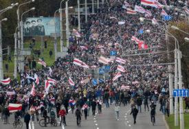 UHAPŠENI STUDENTI U Minsku se situacija ne smiruje, ljudi na ulicama