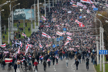 """""""PROTESTI MOGU POSTATI TERORISTIČKA PRIJETNJA"""" Demonstracije u Bjelorusiji traju duže od dva mjeseca"""