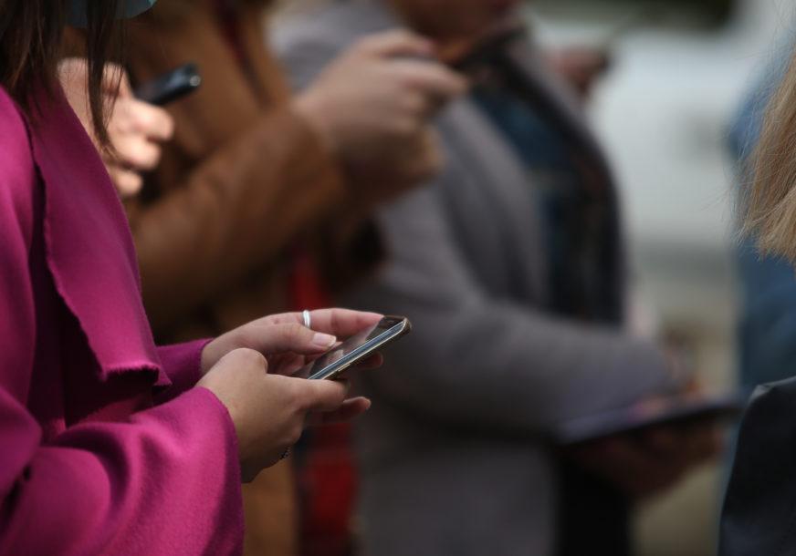 Sve veća zavisnost od telefona i interneta: Istraživanje pokazalo da korisnici nisu svjesni količine vremena koju provedu uz tehnologiju