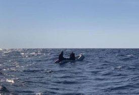SPAS U ZADNJI ČAS Dva Ukrajinca bila u malom gumenom čamcu, pronašli ih iscrpljene od dužeg boravka i plutanja na moru