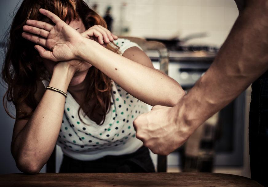 ŽENA PRIJAVILA DA JE SILOVANA 30 PUTA Tvrdi da su je GODINAMA ZLOSTAVLJALI ljekari, policajci i načelnici