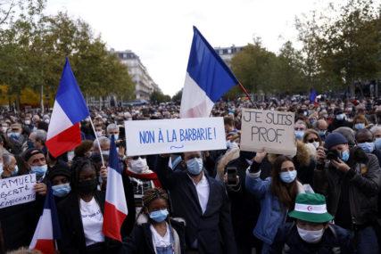 JOŠ SEDAM OSOBA PREDATO SUDIJI Sve više slučajeva radikalnog islama u Parizu povezano sa ubistvom nastavnika