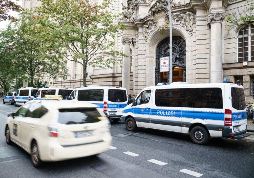 TERORISTIČKI NAPAD I U RUSIJI Tinejdžer nožem izbo policajca, potom je upucan