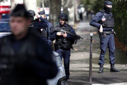 POLICIJA LIKVIDIRALA NAPADAČA Zabio muškarcu nož u grlo