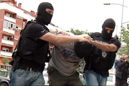UHAPŠENE TRI OSOBE Policija u pretresima pronašla drogu