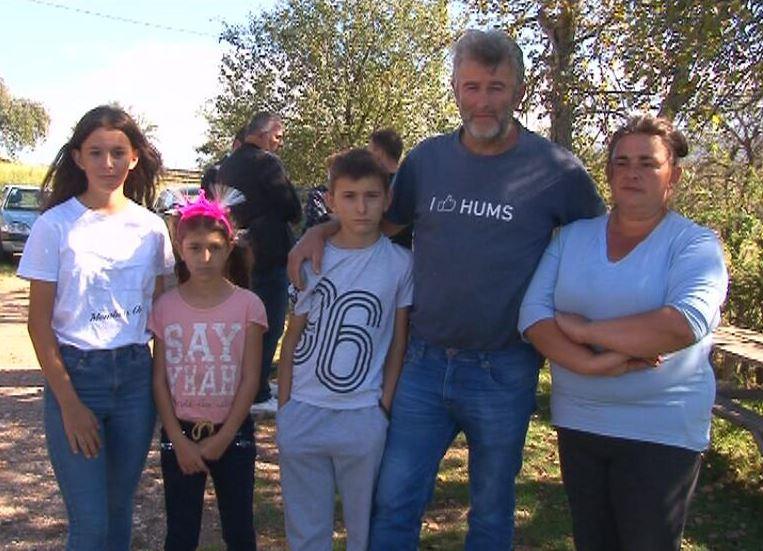 """""""ŽIVIMO U STRAHU"""" Porodici Gavrilović potrebna pomoć dobrih ljudi za izgradnju  njihove kuće"""