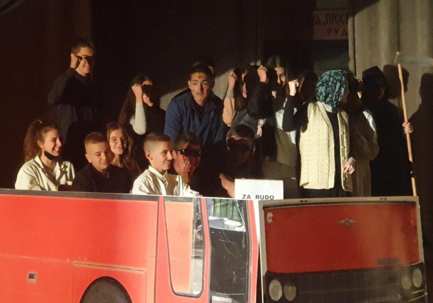 """FESTIVAL U RUDOM Dramska scena """"Prosvjeta"""" pokazala ČUDESNU ENERGIJU pred domaćom publikom"""