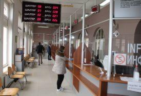 Šalter službe u Bijeljini rade UPRKOS KORONI (FOTO)