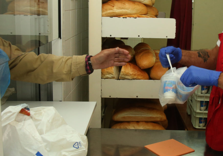 ŽIVOT NA PROSJAČKOM ŠTAPU Svjetska banka upozorila da je BiH u teškoj recesiji