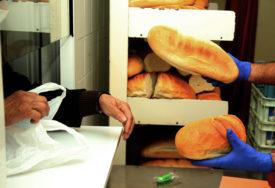 KUPITE HLJEB ZA GLADNE, PEKARA ĆE POKLONITI JOŠ TOLIKO Akcija pomoći javnoj kuhinji u Banjaluci