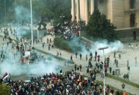 GODIŠNJICA PADA SLOBODANA MILOŠEVIĆA Stotine hiljada ljudi izašlo na ulicu 5. oktobra kako bi SRUŠILI REŽIM