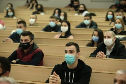 STUDENTI KAO NA TRACI Kako se fakulteti bore s koronom i manjkom prostora