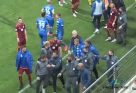 POMIRENJE NA KRAJU Treneri se umalo potukli u Milanovcu (VIDEO)