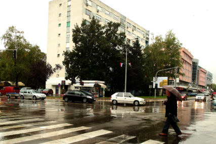 PRIJE PODNE KIŠA Sutra oblačno i hladno, prestanak padavina tokom dana