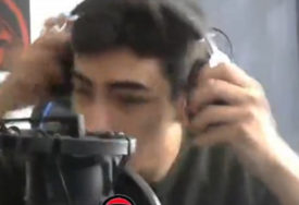 JEZIV PRIZOR Mladić iz Turske bio je uz kompjuter, odjednom se SVE POČELO TRESTI I RUŠITI (VIDEO)