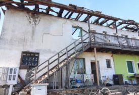 """""""VEĆ JE PRIJETIO DA ĆE NAS ZAPALITI"""" Stanari zgrade koja je jutros izgorila, sumnjaju da je požar PODMETNUO KOMŠIJA"""