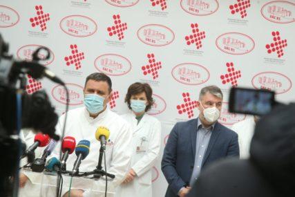 ŠERANIĆ OBIŠAO UKC SRPSKE Hospitalizovano 455 oboljelih od korone, preko 50 pacijenata na respiratorima (FOTO)