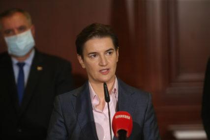 """""""ZAVRŠENI PREGOVORI O NABAVCI RUSKE I KINESKE VAKCINE"""" Brnabić se nada da će Srbija dobiti prve doze do Nove godine"""
