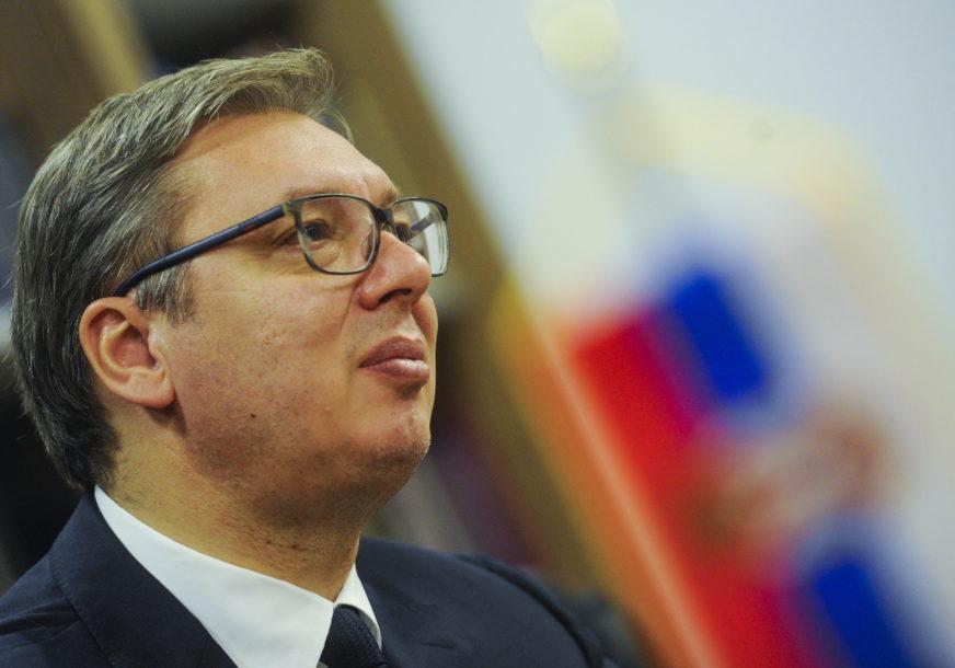 """""""NIČIM TO NISU ZASLUŽILI"""" Vučić se izvinio zbog napada na Kona i Krizni štab"""