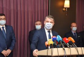 """""""BEZ STRAHA, IMAMO POVJERENJE"""" Predstavnici vlasti otkrili da li će primiti vakcinu protiv korone"""