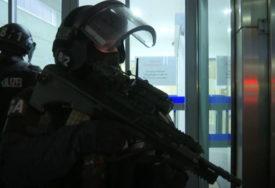 VELIKA TRAGEDIJA Policija pucala u otmičara, pa SLUČAJNO UBILA BEBU