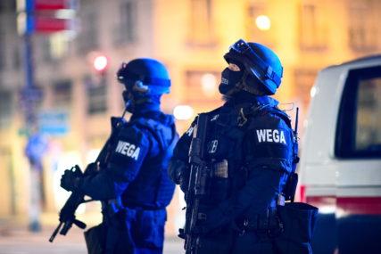NASTAVLJA SE ISTRAGA Policija uhapsila još dvojicu mladića nakon terorističkog napada u Beču