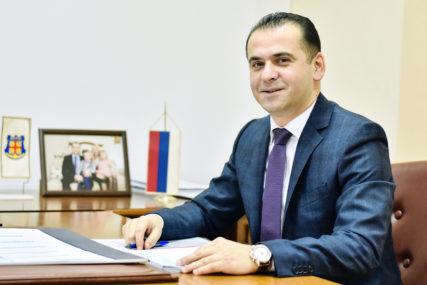 NOVI POLITIČKI TRANSFERI Načelnik Šamca i svi odbornici sa njegove liste prelaze u SDS
