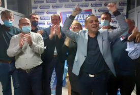"""KANDIDAT KOALICIJE """"LJUDI PRIJE SVEGA"""" Đorđe Milićević dobio 70 odsto glasova u Šamcu"""