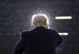 IZJAVA NAJBLIŽA PRIZNANJU PORAZA NA IZBORIMA Tramp: Odlazim ako elektori izaberu Bajdena