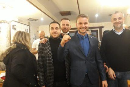 """""""JA SAM NOVI GRADONAČELNIK BANJALUKE"""" Draško Stanivuković već proslavlja izbornu pobjedu (VIDEO)"""