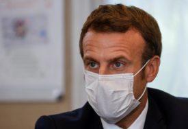 ČEKA SE MAKRONOVA ODLUKA Nagli pad broja zaraženih u Francuskoj