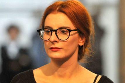 """""""EVO PODOČNJAKA I DEVIJACIJE NOSA"""" Glumica pokazala kako izgleda bez šminke i poslala SNAŽNU PORUKU (FOTO)"""