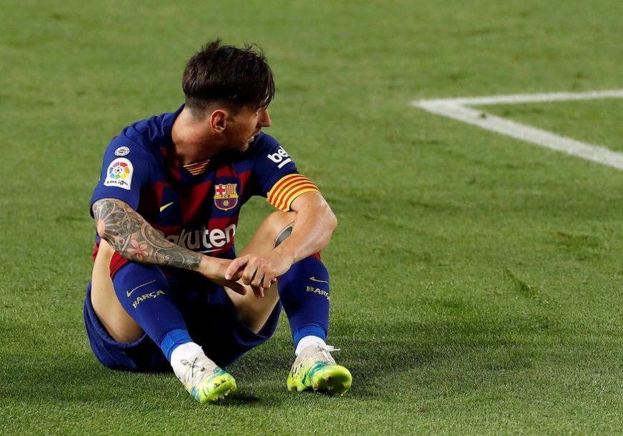SKANDALOZNO Mesi odbio da igra u sred meča, ponizio i saigrače i klub (VIDEO)