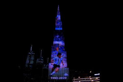 POČAST LEGENDI FUDBALA Najviša zgrada na svijetu osvijetljena likom Maradone (VIDEO)