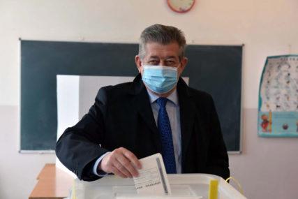 """""""JUTROS SAM SE ČUO S DODIKOM"""" Mićić nakon 15 godina IZGUBIO BIJELJINU, a novom gradonačelniku OVO PORUČUJE"""