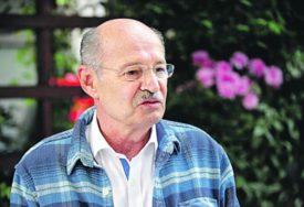 """LEGENDARNA SCENA VELIKOG GLUMCA Mustafu Nadarevića pamtićemo i po  filmu """"Otac na službenom putu"""" (VIDEO)"""