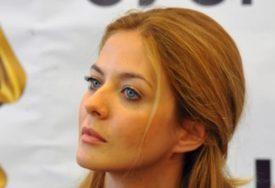 """""""Bog je milostiv"""" Glumica Nina Janković odabrala ime za kćerkicu"""